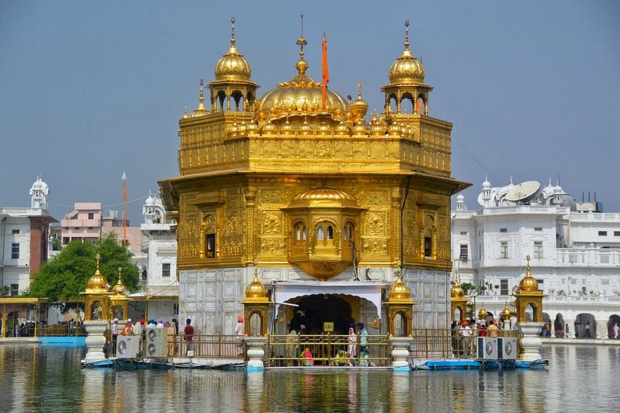 Damdama Sahib with Golden Temple