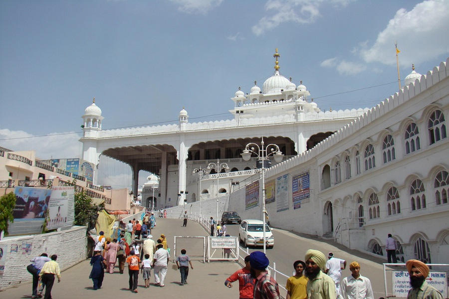Anandpur Sahib and Manikaran Tour